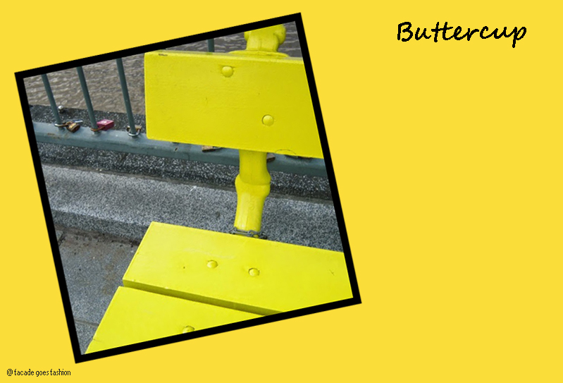 Yellow bench Pantone 2016 Buttercup