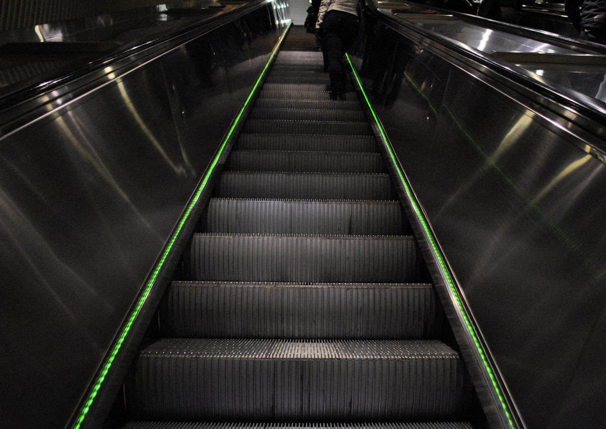 Hgin metro liukuportaat