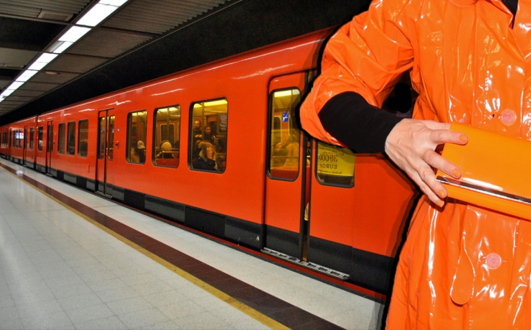 Metro ja oranssi asu_