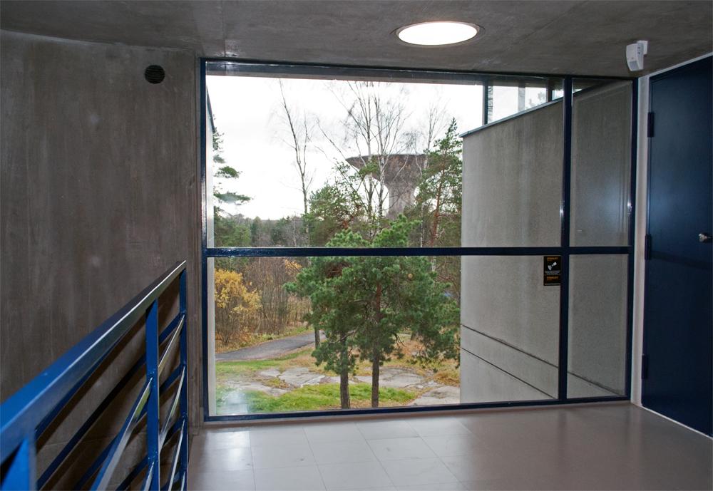 Roihuvuori Vesitorni ikkunassa